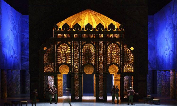 décor la bayadère Noureev